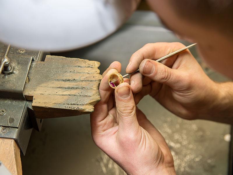 Gravurservice - Goldschmiede Juwelier am Schloss in Schwetzingen